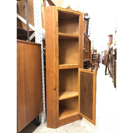 This beautiful corner cupboard cabinet is a lovely example of country craftmanship. The carved detail along the crown and...