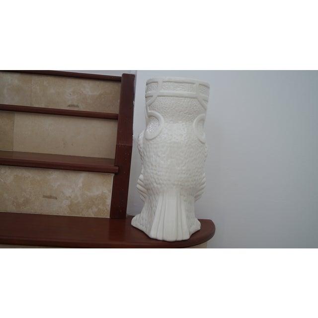 1980s Art Deco White Ceramic Owl Vase - Image 3 of 5