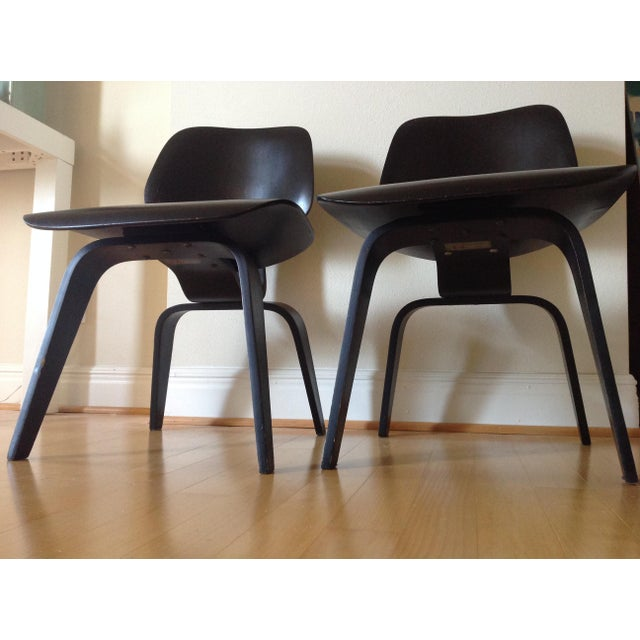 Charles Eames Dcw for Evans Products Co. & Herman Miller - A Pair For Sale In Saint Louis - Image 6 of 11