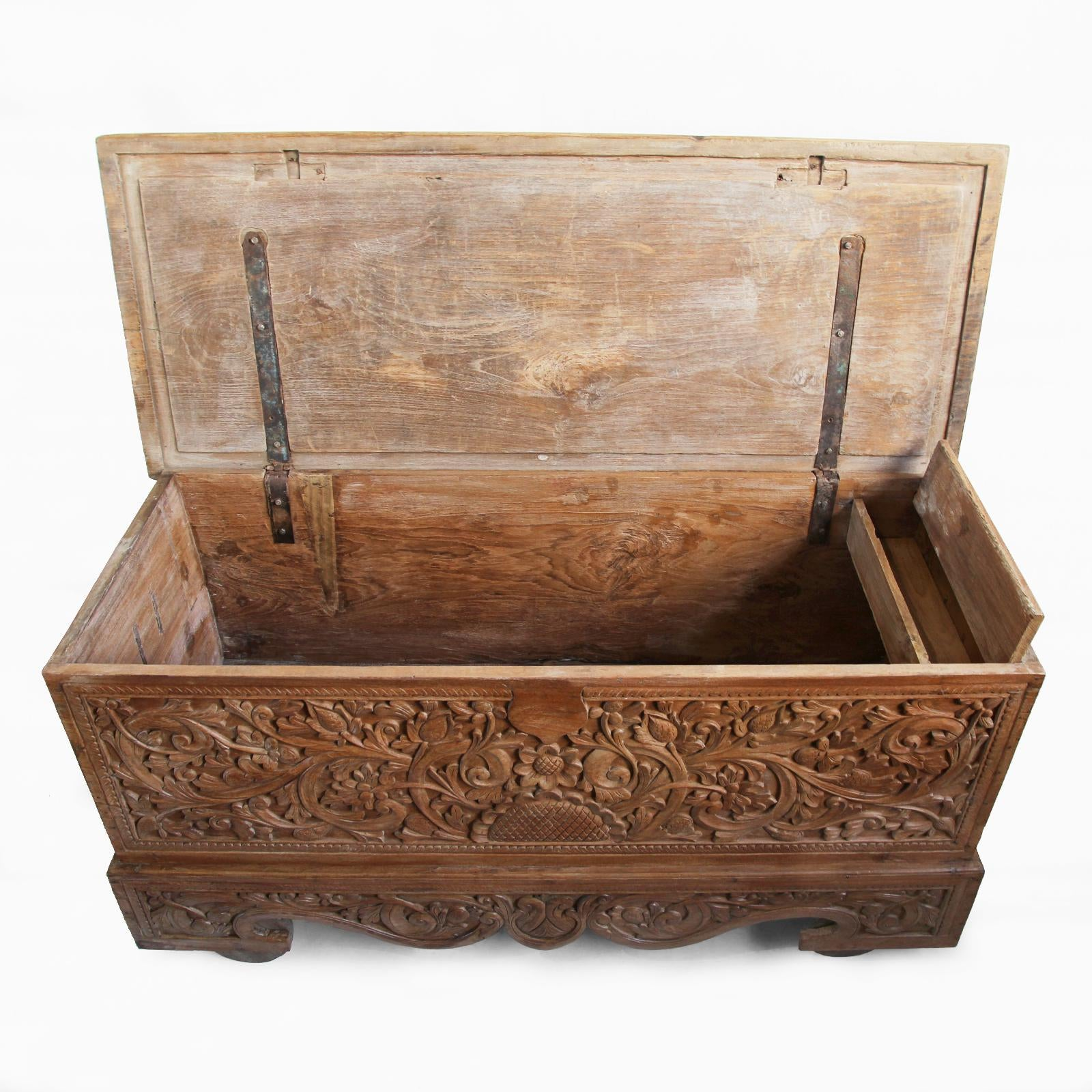 Ordinaire Antique Java Teak Wood Trunk For Sale   Image 4 Of 7