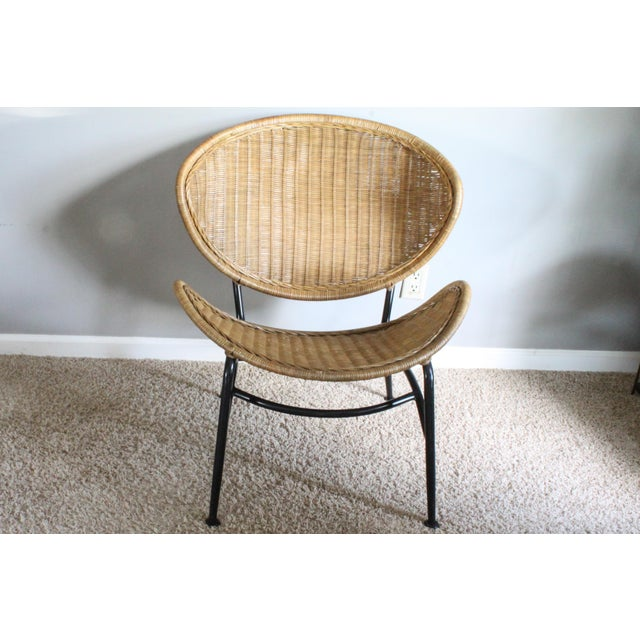 Selected for your consideration is this super slick wicker rattan indoor/outdoor shell chair. How can such sturdy and...