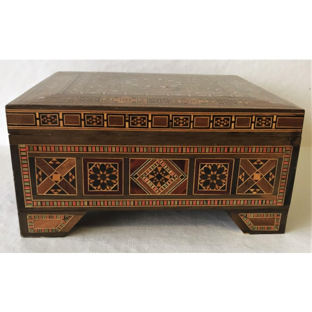 Mid 20th Century Turkish Inlaid Marquetry Mosaic Box With Key For Sale - Image 5 of 13