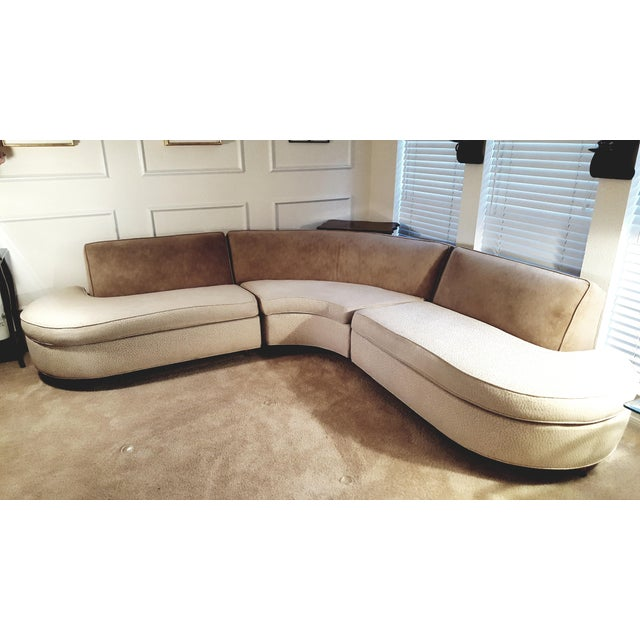 Elegant Mid Century Sofa - Image 3 of 7