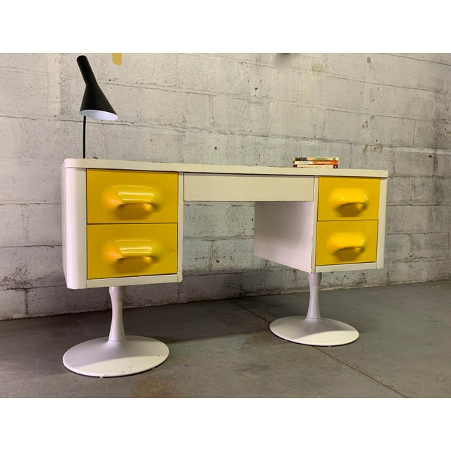 Rare Mid Century Modern Broyhill Premier Chapter One Desk For Sale In New York - Image 6 of 11