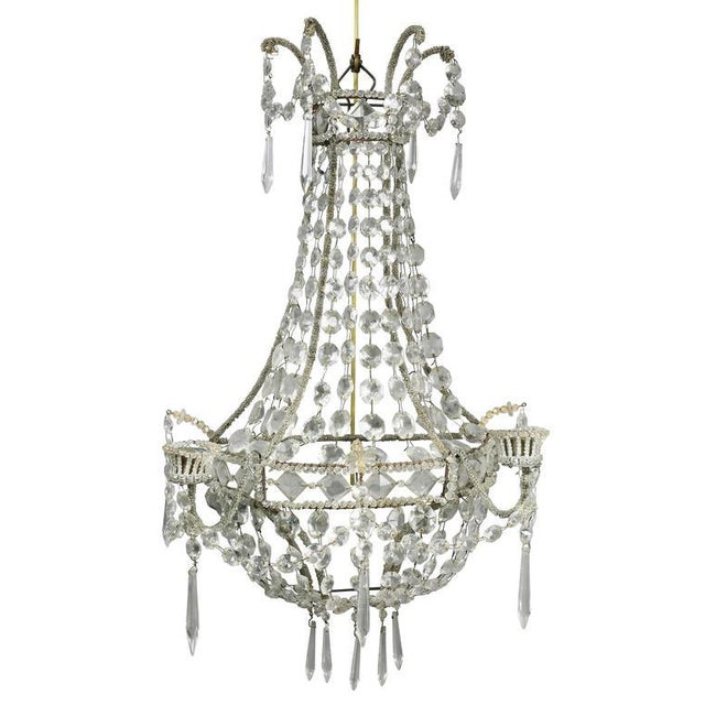 Transparent Pair of Classical Style Cut Glass Wall Lights For Sale - Image 8 of 8