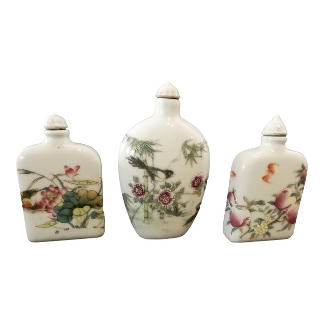 Famile Rose Porcelain Snuff Bottles - Set of 3 For Sale