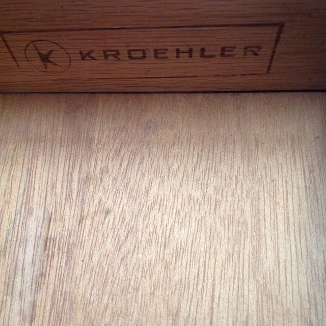Kroehler Mid-Century Side Table For Sale - Image 5 of 5