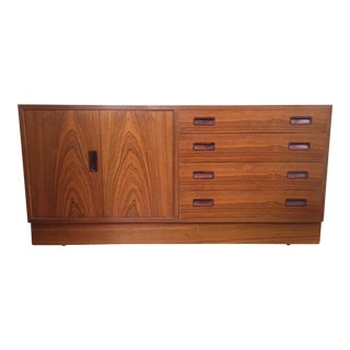 Mid-Century Modern Maurice Villency Rosewood Buffet For Sale