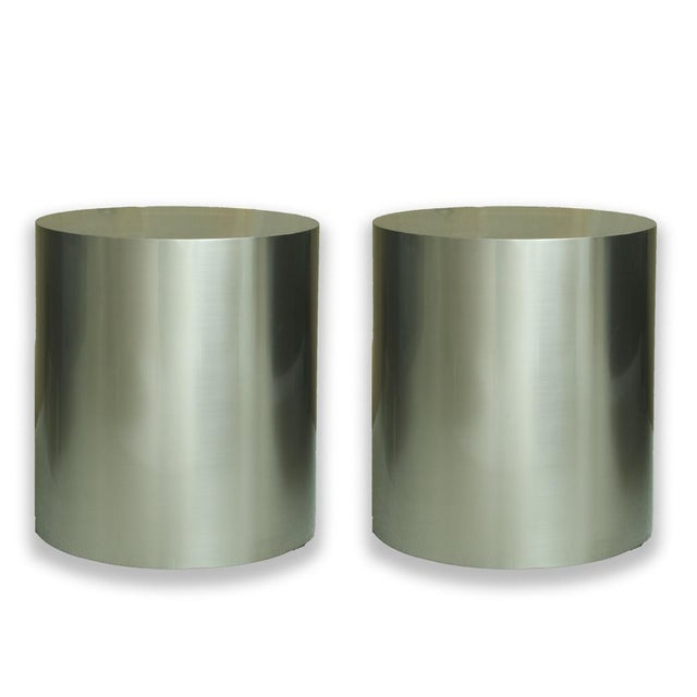 Pairof Milo Baughman Brushed Steel Round Occasional Tables For Sale In New York - Image 6 of 6