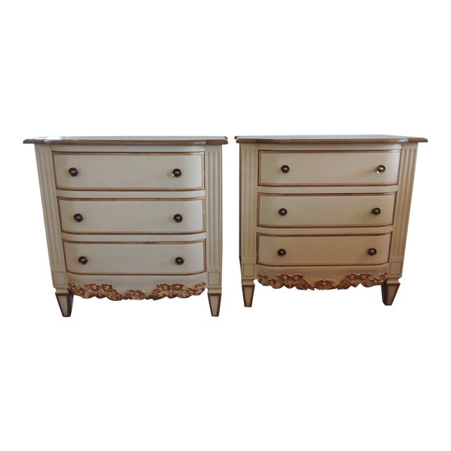 Pair of Neoclassical Style Natural and Gold Leaf Detail Nightstands For Sale
