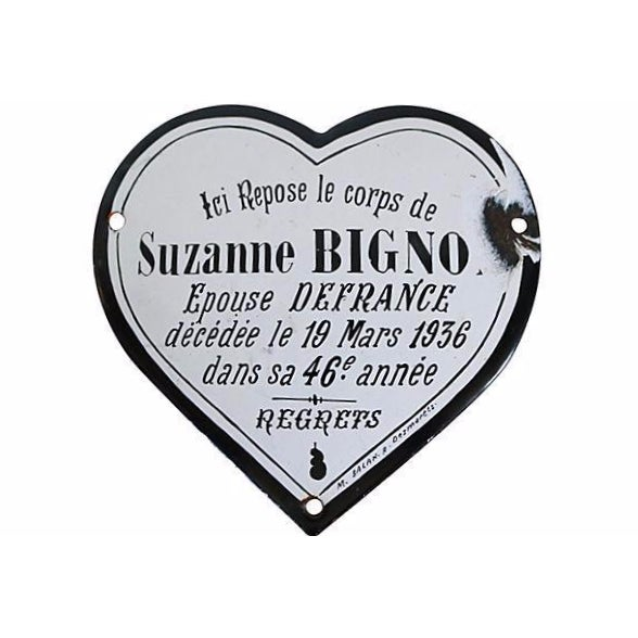 1936 French Enamel Heart Shaped Memorial Plaque - Image 1 of 2