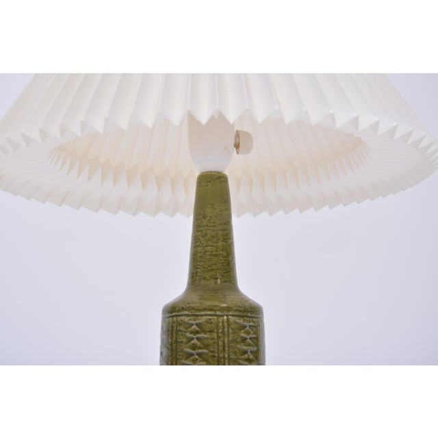 Small Green Danish Ceramic Table Lamp From Palshus, 1960s For Sale - Image 6 of 9