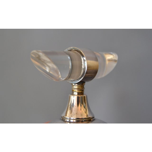 Transparent Mid-Century Modern Silver Plate & Lucite Perfume Bottle & Powder Box 2 Pc. Vanity Set For Sale - Image 8 of 13