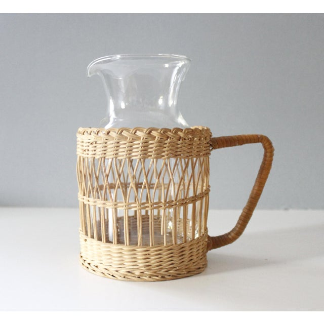 Vintage Wicker & Glass Serving Pitcher and Cups Set of 7 Mid Century Boho For Sale - Image 4 of 9