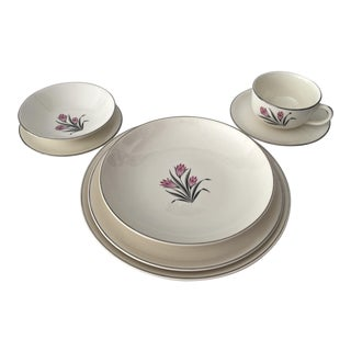 1950's Grant Crest Pink Crocus Dinnerware