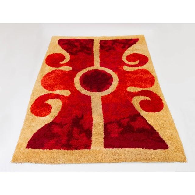 Red 1960s Scandinavian Modern Op Art Shag Area Rug - 8′1″ × 11′5″ For Sale - Image 8 of 8