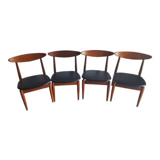 Hibriten, North Carolina Chairs - Set of 4 For Sale