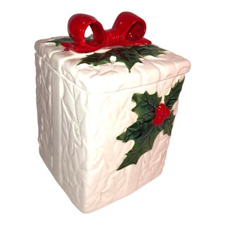 Lefton Holly and Red Bow Christmas Porcelain Box For Sale