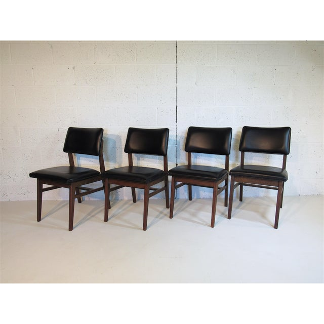 Danish Modern Jens Risom Series 7611 Walnut Dining Chairs For Sale - Image 3 of 10