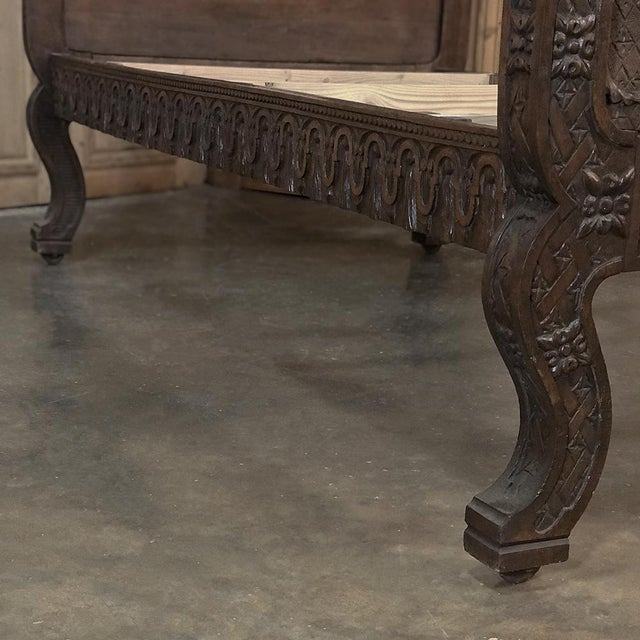 Brown 19th Century Italian Florentine Hand-Carved Walnut Bed For Sale - Image 8 of 13