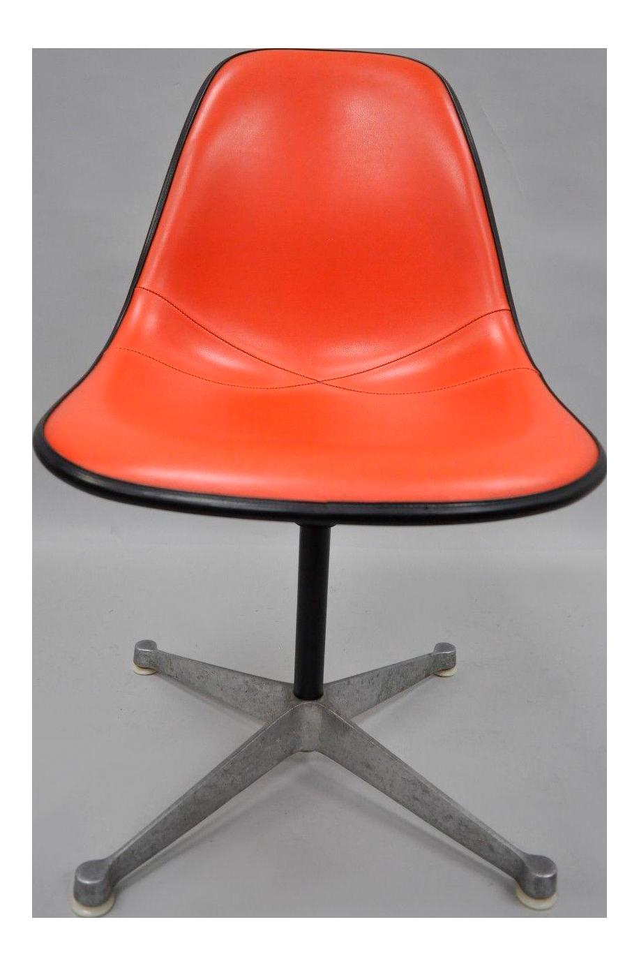 Vintage Herman Miller Eames Fiberglass Shell Swivel Chair