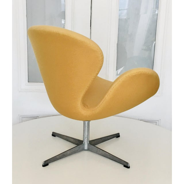 1960s Early Arne Jacobsen for Fritz Hansen Swan Lounge Chair For Sale - Image 5 of 9