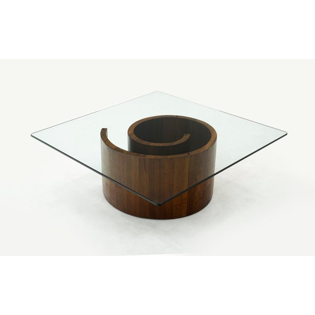 Snail coffee table designed by Vladimir Kagan. Completely original and in very good condition, ready to use. Square glass...