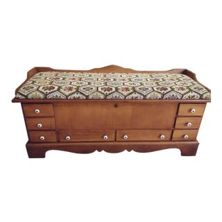 1970s Traditional Lane Cedar Chest With Cushion Top For Sale