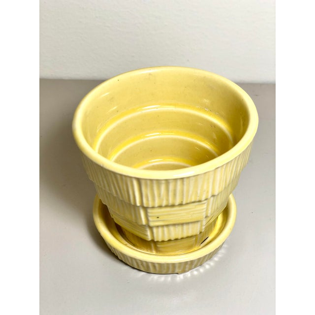 "American McCoy Pottery Small ""Yellow"" Mid-Century Flowerpot and Saucer For Sale - Image 3 of 6"