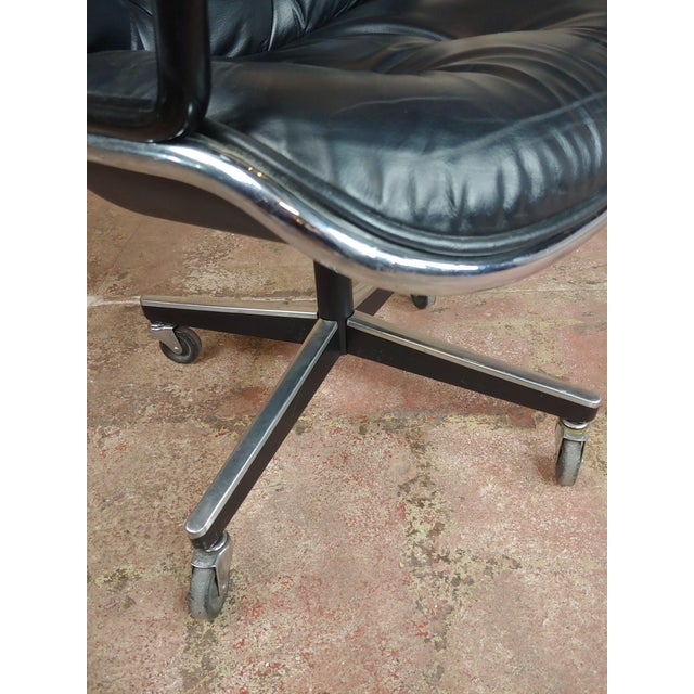 Metal Charles Pollock 1960s Executive Chairs in Black Leather for Knoll - A Pair For Sale - Image 7 of 10