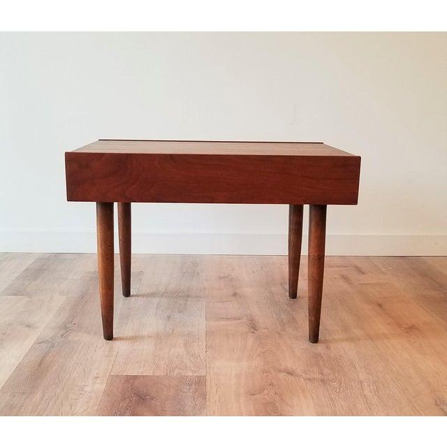 American of Martinsville Mid-Century Modern American of Martinsville End Tables - a Pair For Sale - Image 4 of 10