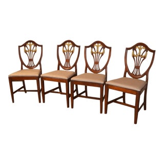 1960s English Traditioanl Mahogany Shield Back Dining Chairs - Set of 4 For Sale