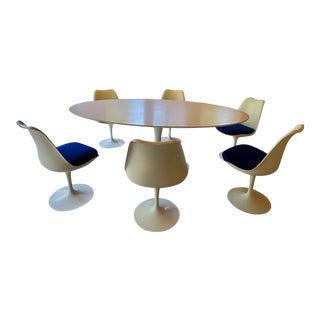 Vintage 1965 Eero Saarinen Dining Set For Sale