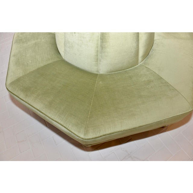 Caracole Modern Celery Green Velvet and White Stone Round/Octagonal Banquette For Sale In Atlanta - Image 6 of 8