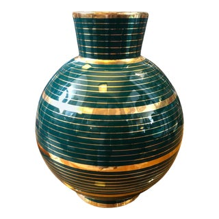 !950s Mid-Century Modern Green and Gold Ceramic Vase in the Manner of Gio Ponti For Sale