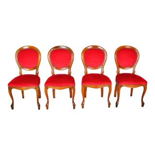 1960s Set of 4 French Louis XV Maple Dining Chairs W/ Red Velvet Upholstery For Sale
