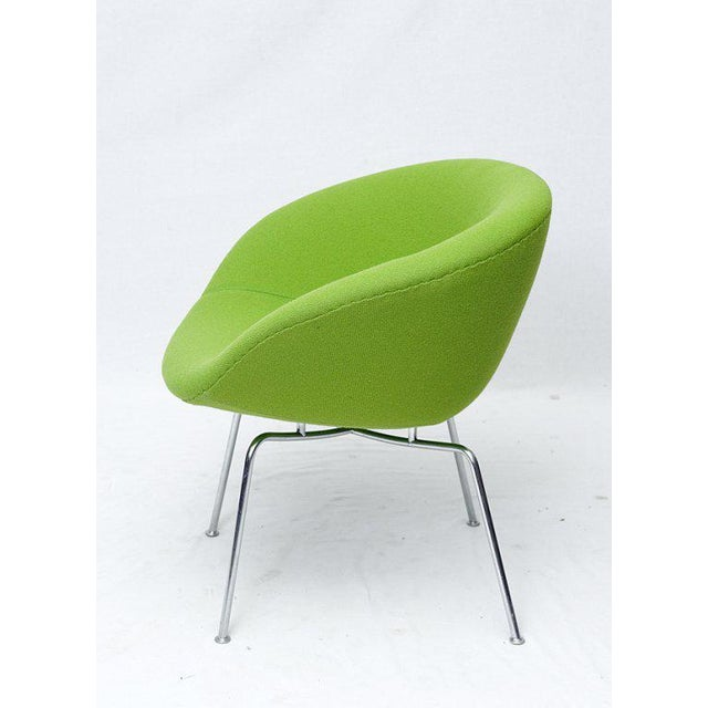 Mid-Century Modern Arne Jacobsen Pot Chair For Sale - Image 3 of 6