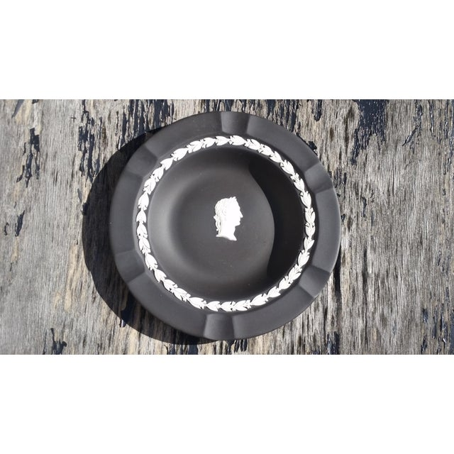 Mid 20th Century Wedgwood Black and White Basalt Intaglio Bowl For Sale - Image 5 of 5