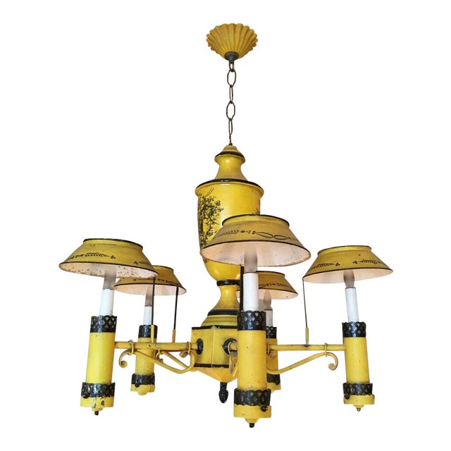 Early 20th Century Regency French Yellow Painted Tole Five Light Chandelier For Sale