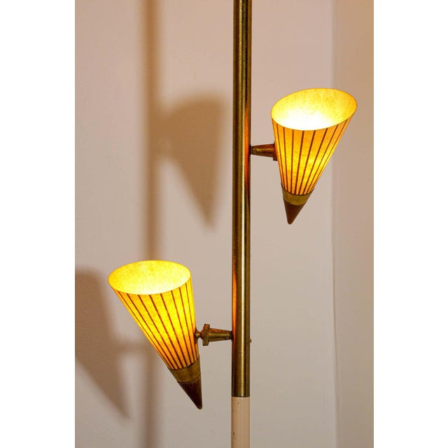 Stiffel 1950s Adjustable Vintage Three Shades Extension Pole Lamp by Gerald Thurston For Sale - Image 4 of 13