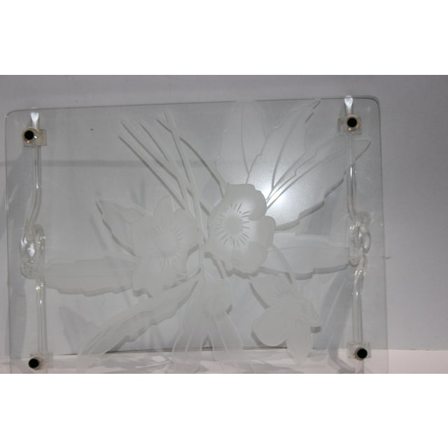 1940s Etched Glass Anemone Flower Vanity Tray With Decorative Lucite Faux-Handles For Sale - Image 4 of 11
