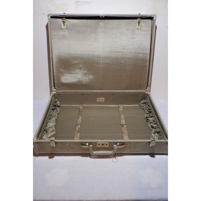 Suitcase Vintage Samsonite Hard Shell Case - Image 4 of 7