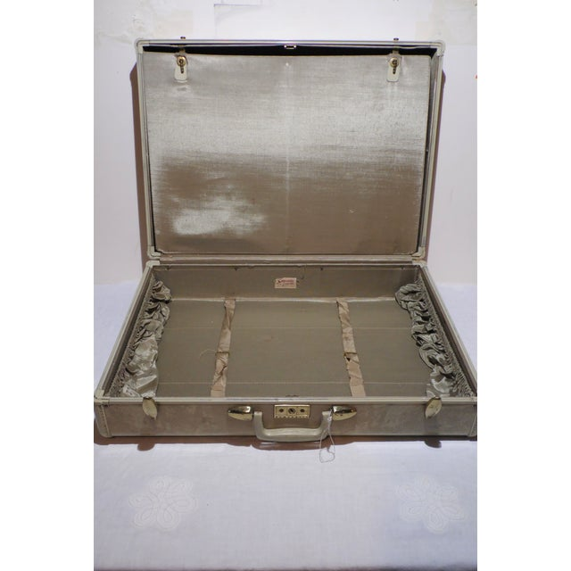 Vintage Samsonite Large Cream Hard Shell Suitcase - Image 4 of 7