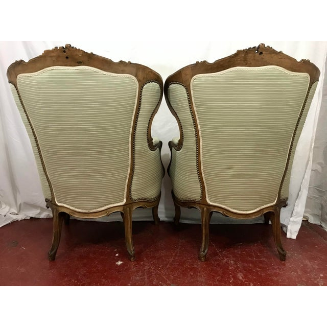 Louis XV Style Walnut Bergers a Pair For Sale - Image 4 of 10