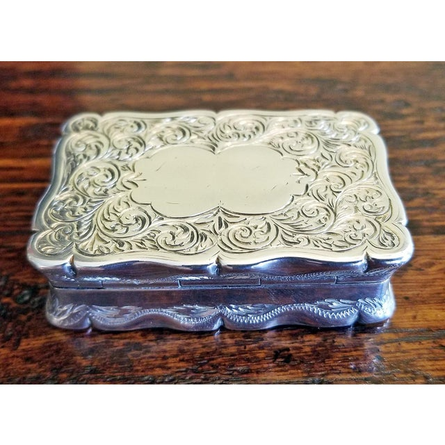 Gold 19c Sterling Silver Snuffbox Birmingham 1848 by Rolason Bros For Sale - Image 8 of 13