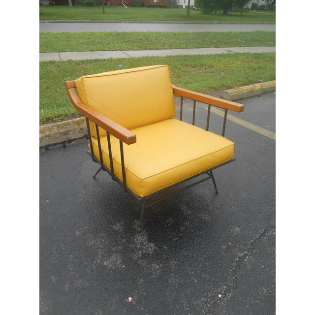 1960s Vintage Mid-Century Modern Maple & Iron Lounge Chair For Sale - Image 4 of 7