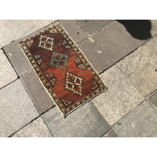Turkish Vintage Oushak Handmade Floor Rug- 1′6″ × 2′10″ For Sale - Image 3 of 6