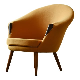 Danish Midcentury Tub Chair Newly Re-Upholstered in Yellow Tonus Wool by Kvadat For Sale