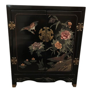 Coromandel-Style Chinoiserie Decorated Petite Cupboard With One Shelf For Sale