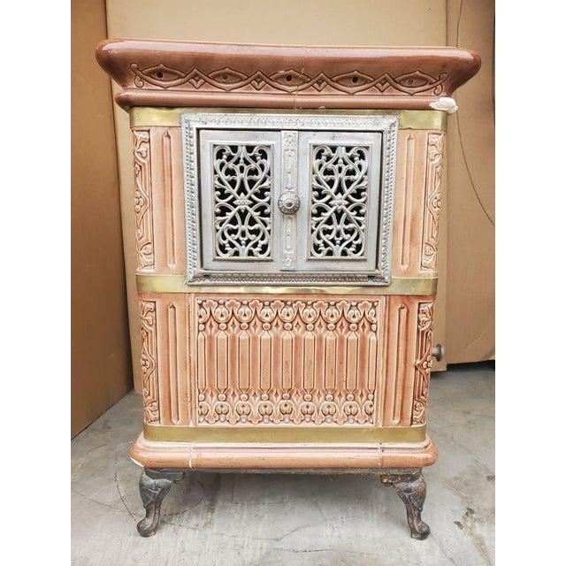 De Sarreguemines 19th Century French Sarreguemines Ceramic Tile Heating Stove For Sale - Image 4 of 12